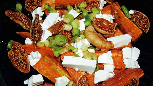Gebackene Süßkartoffel mit Ziegenkäse und Feigen [nachgekocht]
